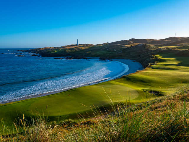 View of the 18th green at Cape Wickham Links