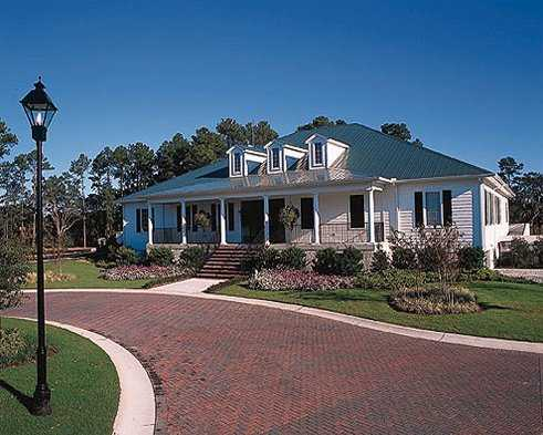 A view of the clubhouse at Crescent Pointe Golf Club