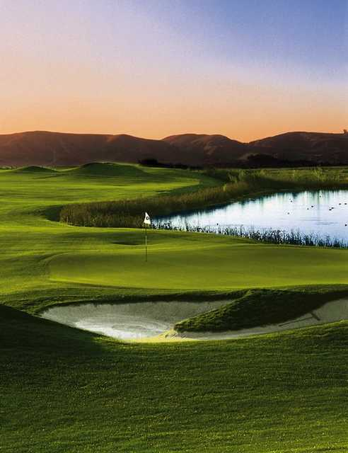 A view of the 18th green at Champions Course from Morongo Golf Club at Tukwet Canyon