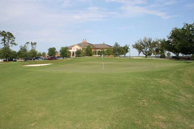 A view of green #17 at Pensacola Country Club.