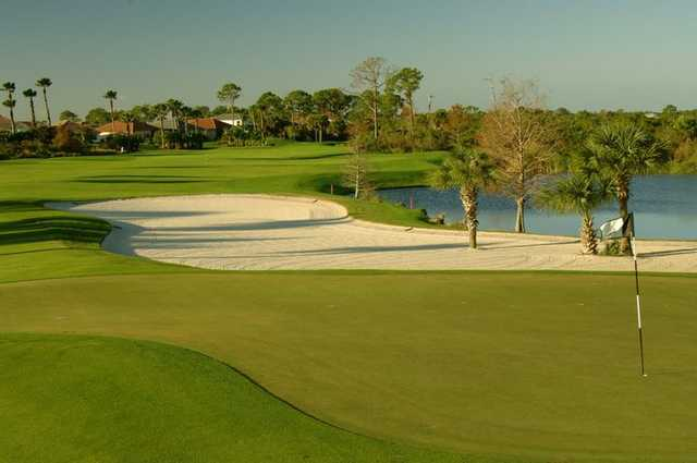 A view of green #15 at Riverwood Golf Club