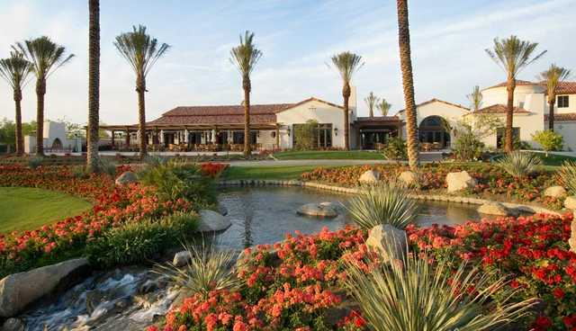 A view of the clubhouse (courtesy of Mountain View Country Club)