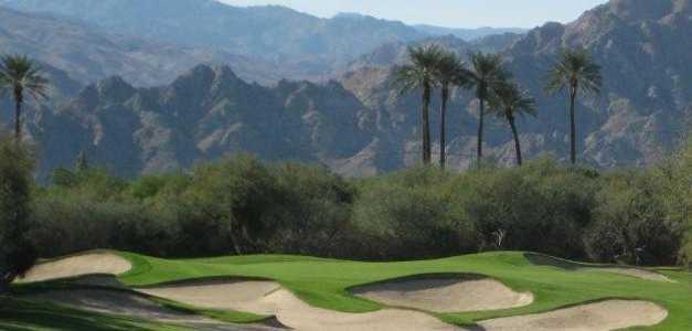 A view of hole #2 protected by bunkers (courtesy of Palms Golf Club)