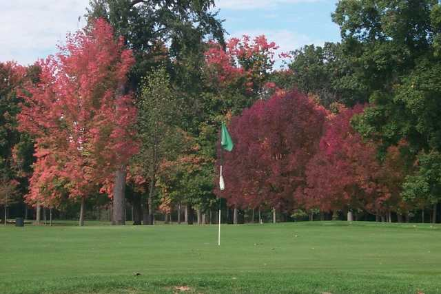 A fall view of green at Ella Sharp Park Golf Course