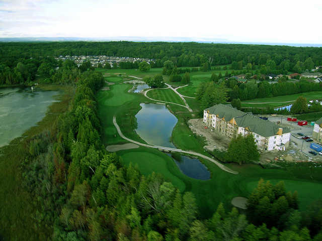 Aerial view of the 9th hole at Marlwood Country Club