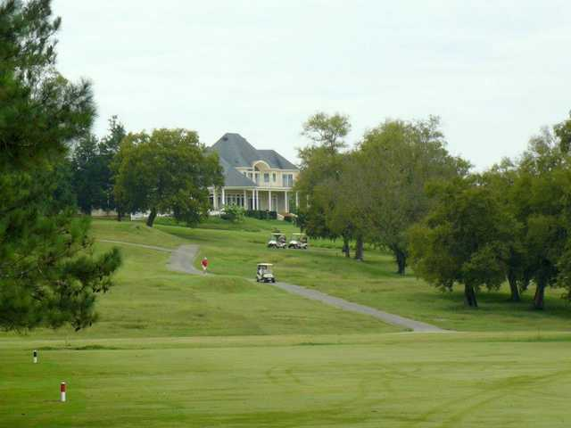 A view of the clubhouse at Fayetteville Golf & Country Club