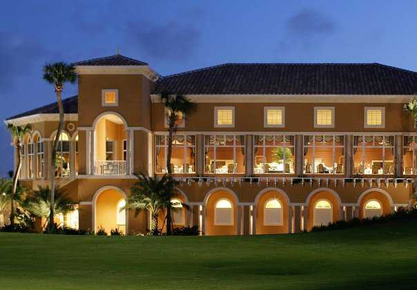 A view of the clubhouse from Country Club At Mirasol
