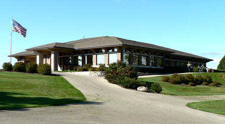 A view of the clubhouse at Mee-Kwon Park Golf Course (Dueppen & Co)