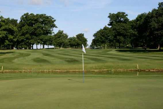 A view of hole #3 at Studley Wood Golf Club