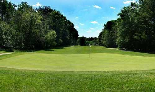 A view of the 9th green at High Point Golf Club