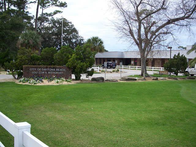 A view of the clubhouse at Daytona Beach Golf & Country Club