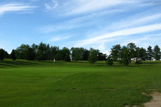 A view of a green at Cossett Creek Golf Club (KVD)