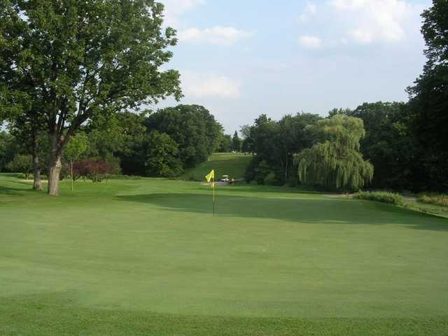 A view of a green at Silver Lake Country Club