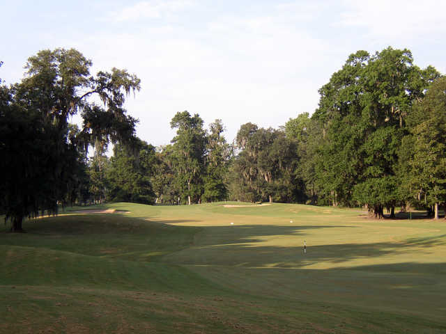 View of a green at Rose Hill Golf Club.
