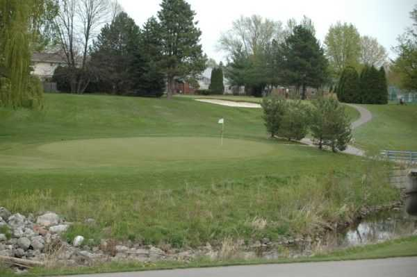 A view of a green at Idyl Wyld Golf Course