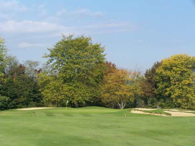 A view of the 4th green at Armitage Golf Course