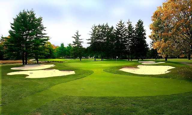 A view of the 14th green at Garden City Country Club