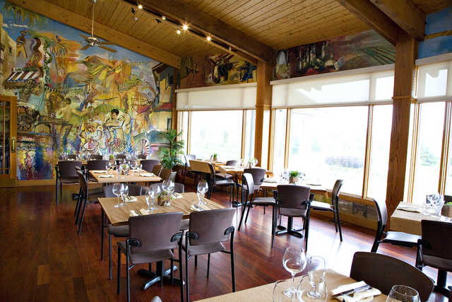 View the Windows on Rockway restaurant at Rockway Vineyards Golf Course