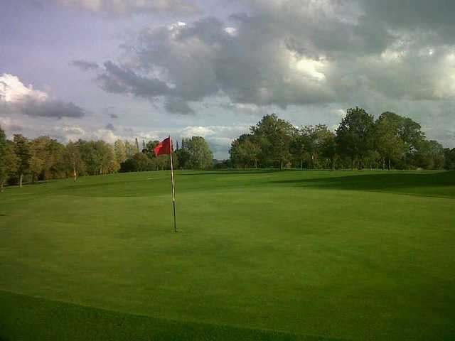 Good example of the well-kept putting surfaces at Stone Golf Club