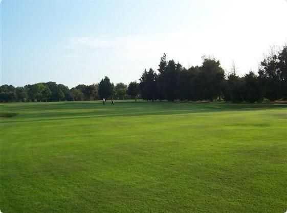 Well kept fairways at West Middlesex Golf Club