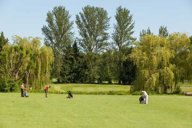 A chip shot away from the 2nd green at Cheshunt Park Golf Centre