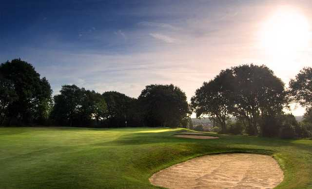 The 1st hole at the Shooters Hill Golf Club