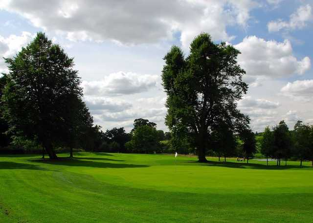 Large greens to test your short game at Northampton GC