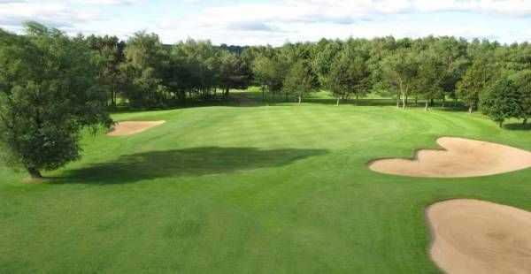 6th hole at Oakdale Golf Club