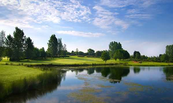 The 9th hole at Chipping Sodbury viewed from the water