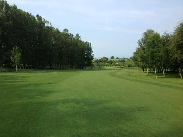 Stretching fairway on the 10th at Burghill Valley Golf Club