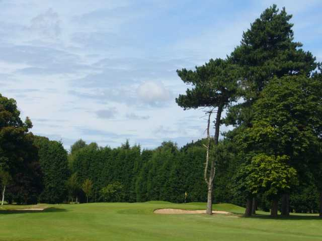 A view from the fairway looking onto the 1st green from Eastham