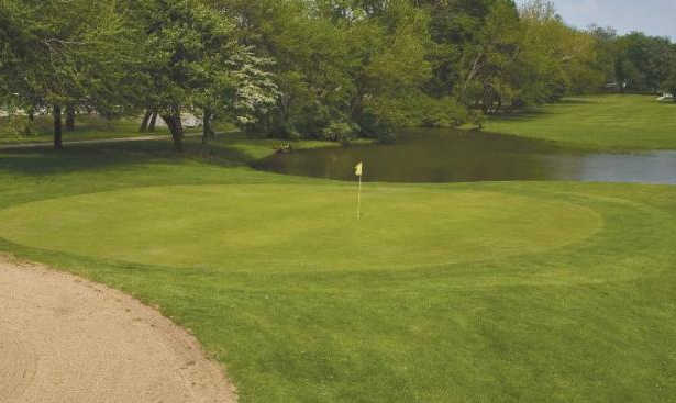A view of a hole with water coming into play at Jackson Park Golf Club