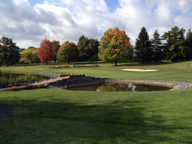 A fall day view of a hole at Mountain View Country Club