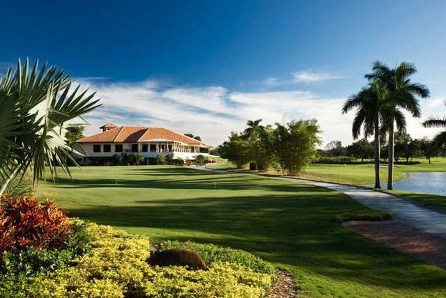 A view of the clubhouse at Fort Lauderdale Country Club
