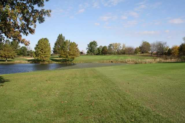 A view of fairway #15 at Kellogg Golf Course (Peoria Park District Golf).