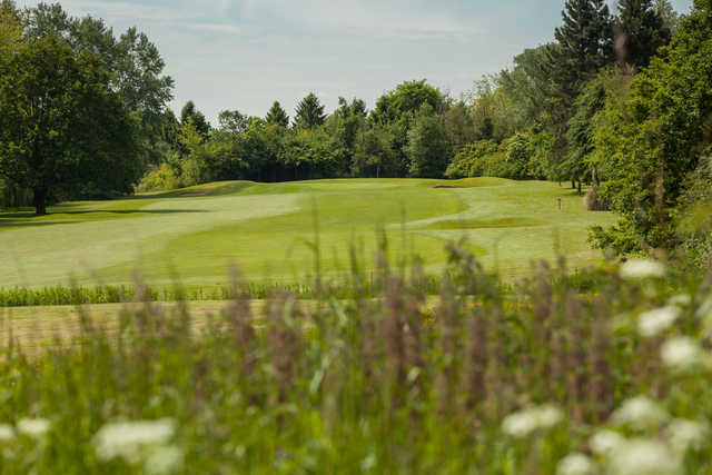 View of the 14th green at Cheshunt Park Golf Centre