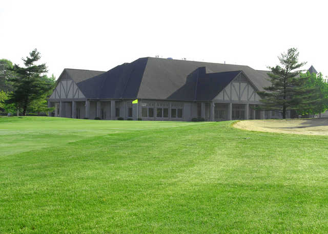 A view of the clubhouse at Mentel Memorial Golf Course