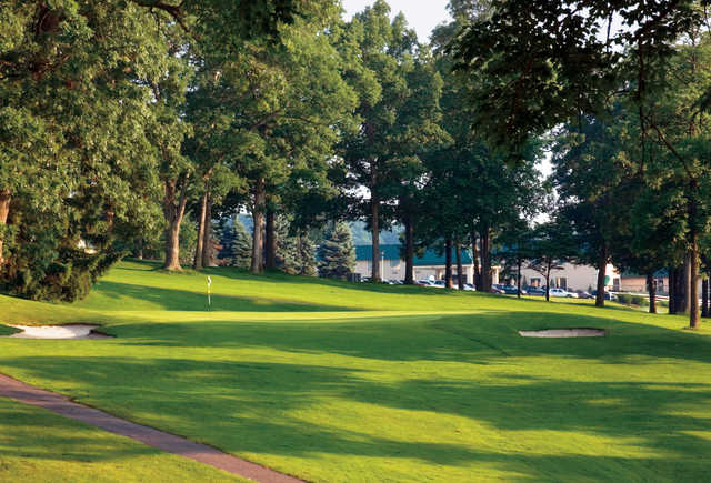 View of a green at Lakeview Golf Resort & Spa