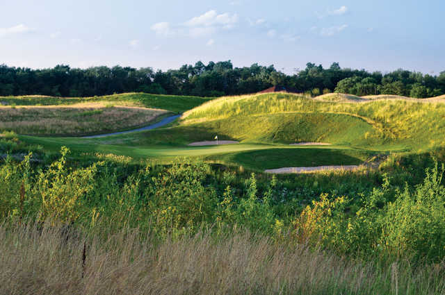 A view of hole #4 at Highlands of Elgin.