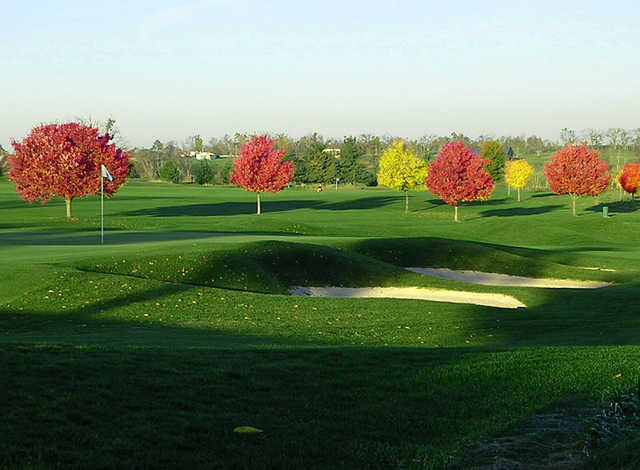 A fall day view of a hole at University Club of Kentucky.