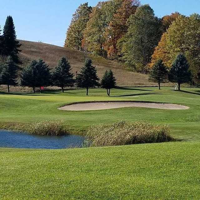 View of a green at Springbrook Golf Club