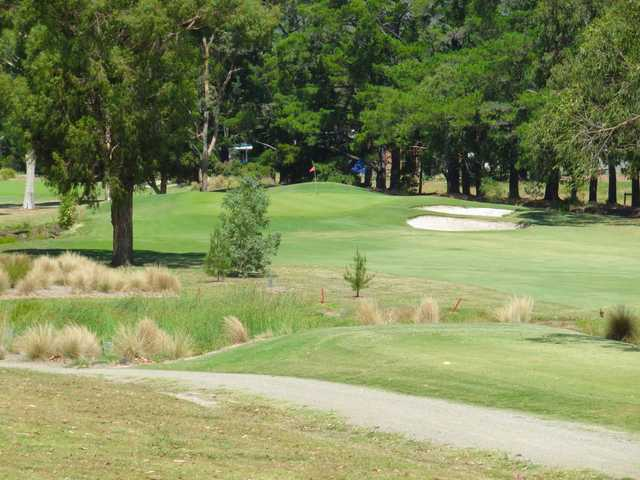View of the 3rd green at Eastwood Golf Club