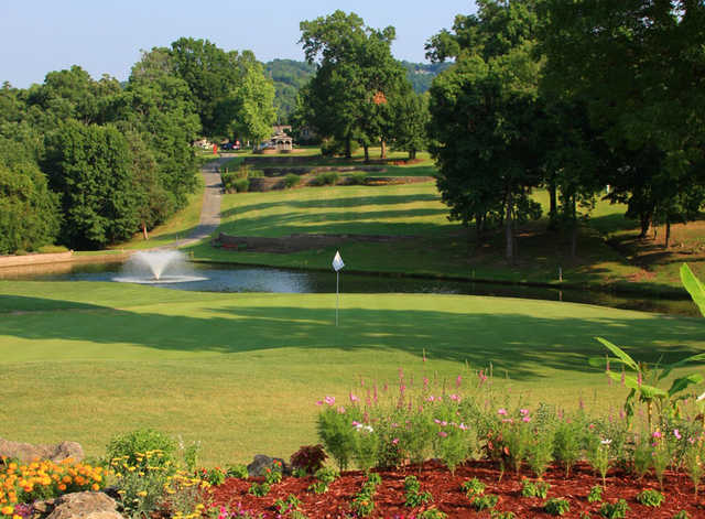 A view of hole #1 at The Pointe Golf Course.