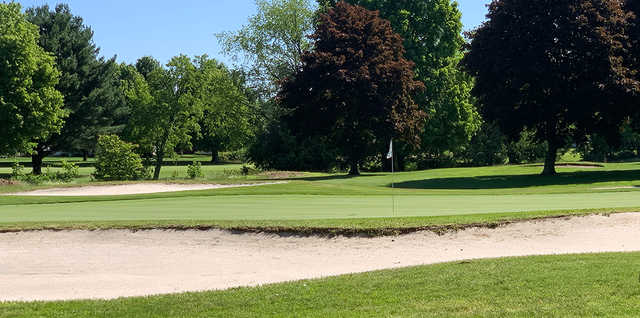 A view of a well protected hole at Ohio Prestwick Country Club.