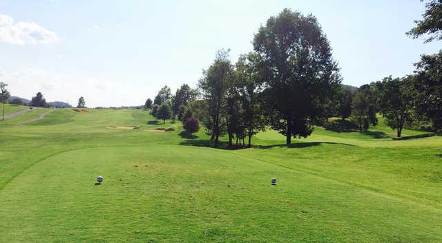 A view from tee #1 at Crockett Ridge Golf Course (Lonnie Salyer).