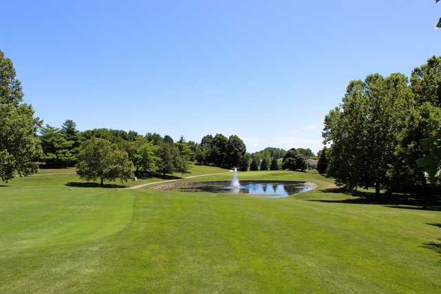 A view of a tee at Johnny Goodman Golf Course (City of Omaha Golf Courses).