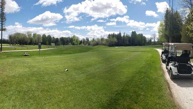 A view of tee #2 at Lombard Glen Golf Club.