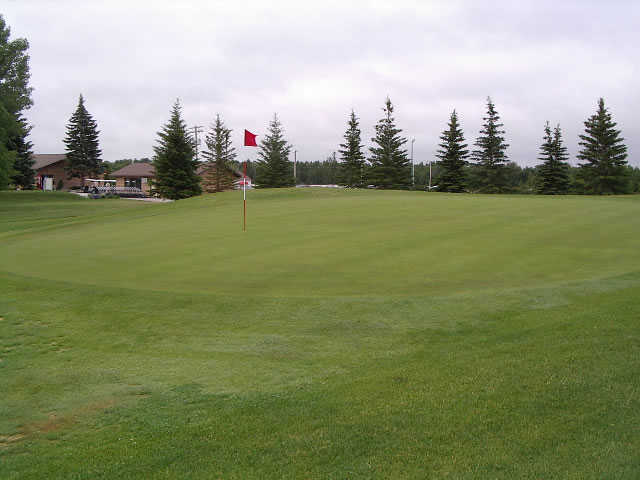 A view of green #2 at Whispering Winds of Warren.