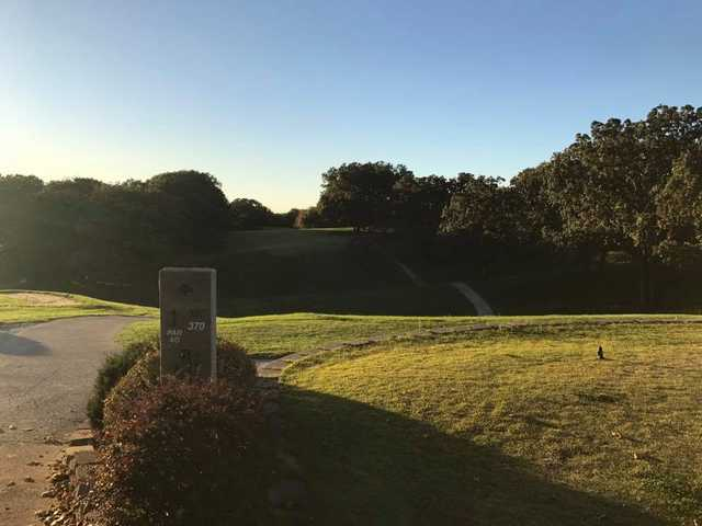 A view from tee #1 sign at Macon Country Club.