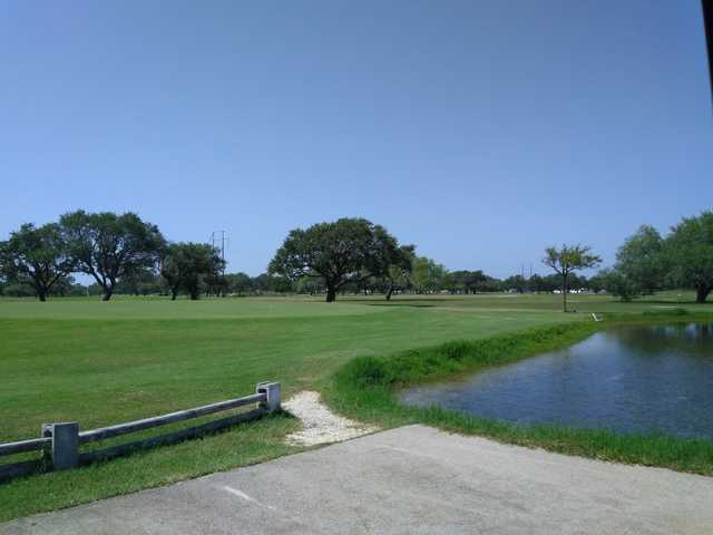A view of a hole with water coming into play at Sinton Golf Course.
